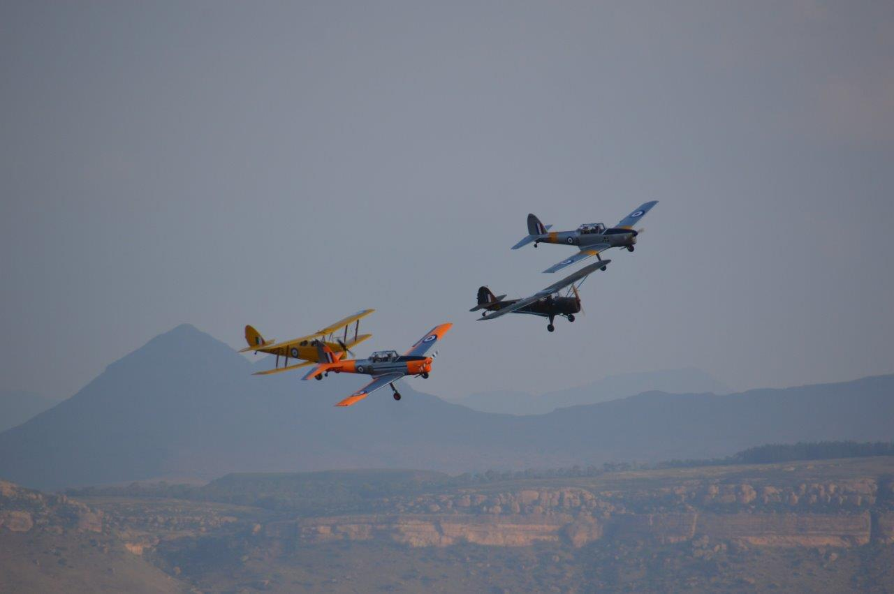 Vintage flight! Two Chipmunks with an Auster AOP6 and a Tiger Moth